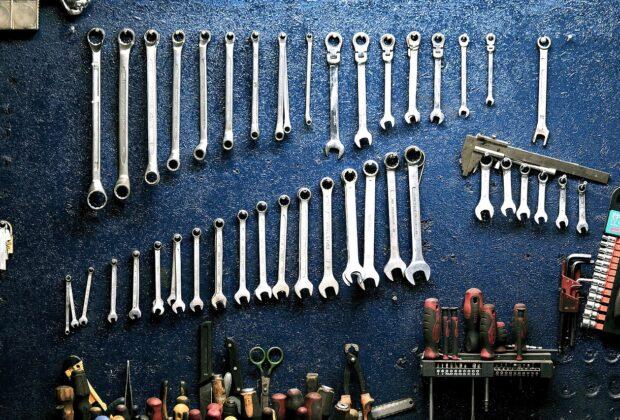 Jak dbać o auto Podstawowe naprawy, wymiany