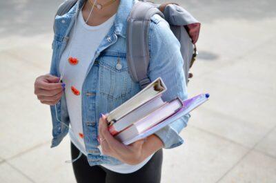 Jak wybrać szkołę średnią i wyższą, aby zostać informatykiem, księgową...